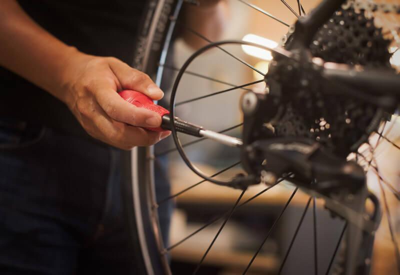 常に自転車を最適な状態に保つメンテナンスを全て無料にてお受けいたします。(※)